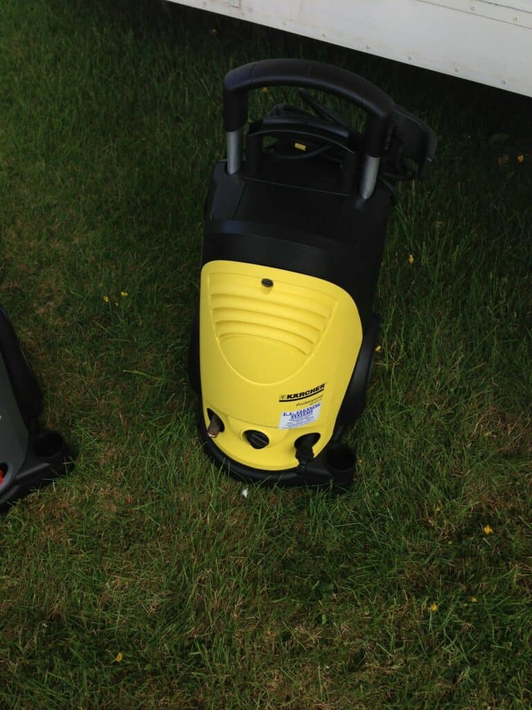 Removing Concrete Stains with a Pressure Washer