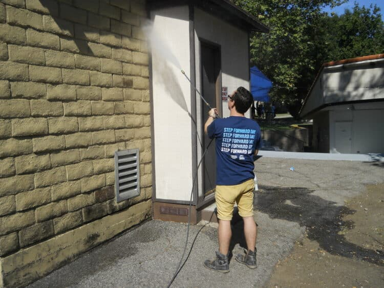 How to use a power washer to clean your home siding