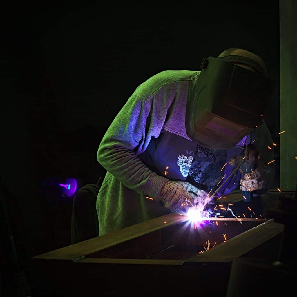 How to pick the right welding helmet