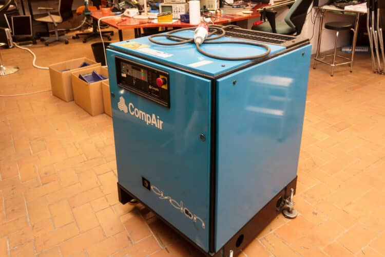 uses of air compressors