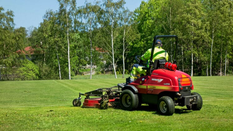 Best Riding Lawn Mowers 2021