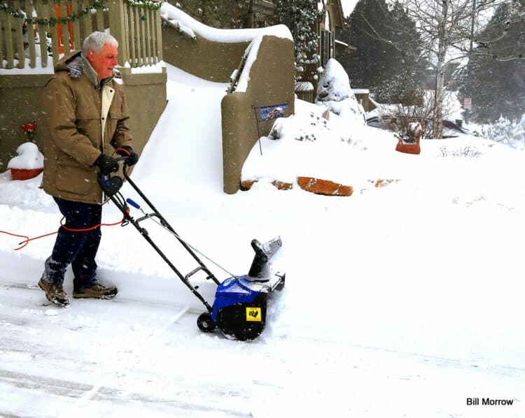 pros and cons of electric snow blowers