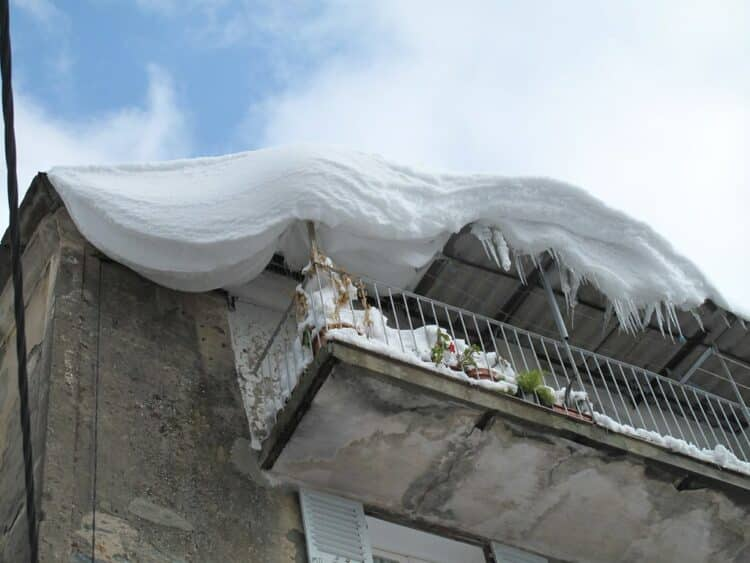 should I remove snow from my roof