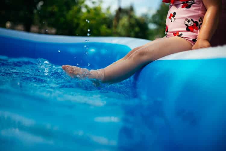 How to inflate a pool with an air compressor