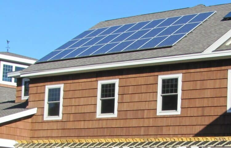 How much do solar panels weigh