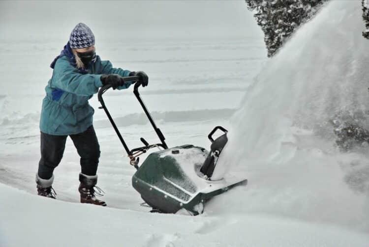 Track Snow Blowers vs Wheel Snow Blowers